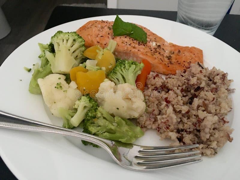 Um jantar saudável imagens de stock
