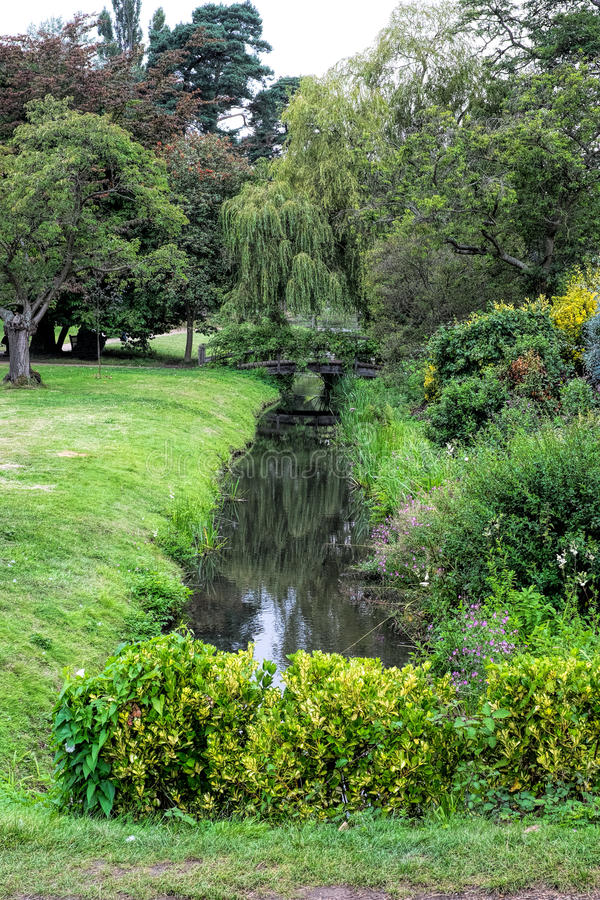 Um jardim inglês fotografia de stock royalty free