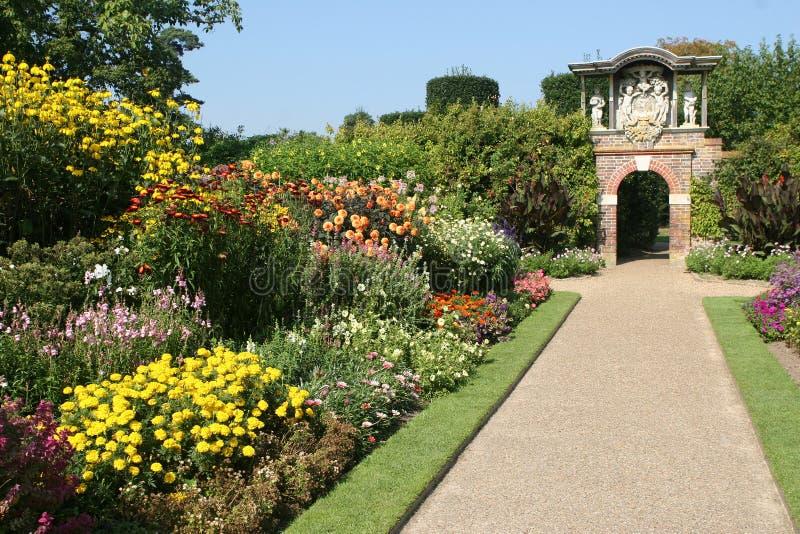 Um jardim inglês do país foto de stock royalty free