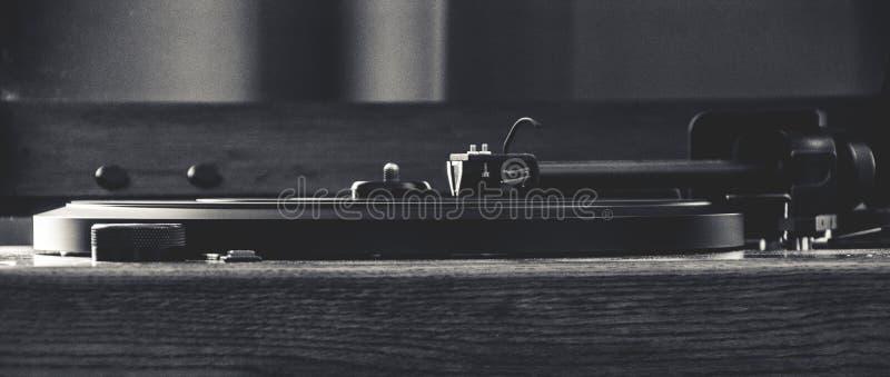 Um jogador de registro do vintage disparado em preto e branco fotos de stock royalty free