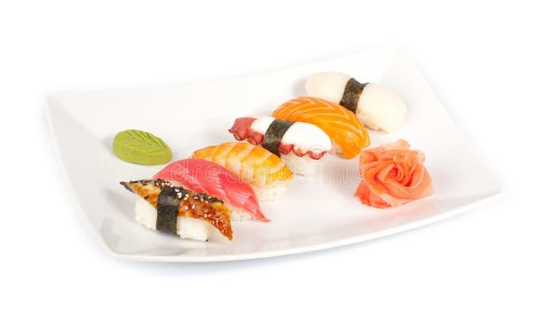 Um jogo do sushi com alimento de mar foto de stock