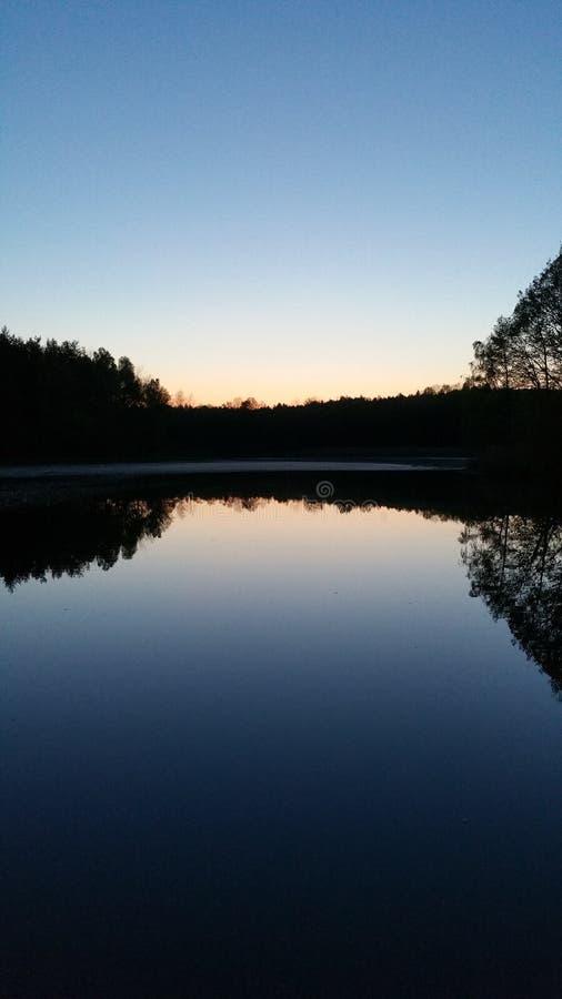 Um lago da natureza imagem de stock royalty free