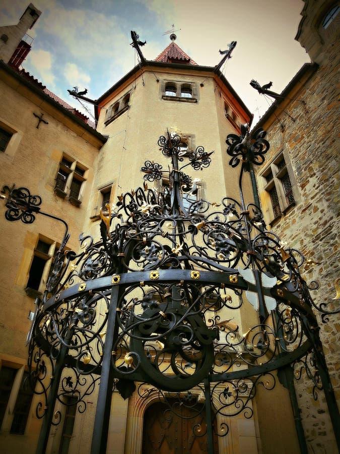 Um lindo castelo histórico e romântico no qual vários contos de fadas foram filmados imagem de stock