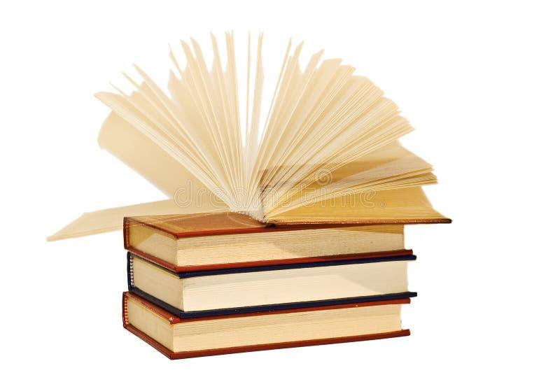 Um livro aberto no movimento. imagens de stock royalty free