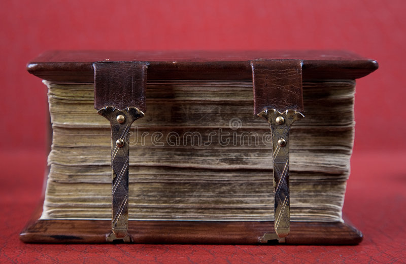Um livro velho. foco macio fotografia de stock royalty free