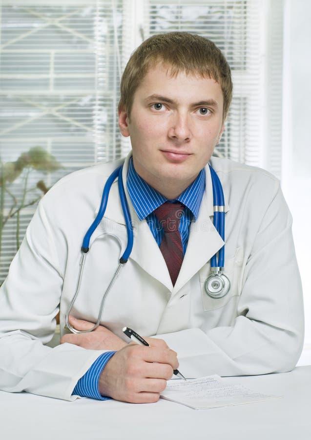 Um médico no hospital imagem de stock