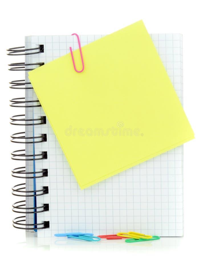 Um memorando e um caderno vazios da mensagem foto de stock