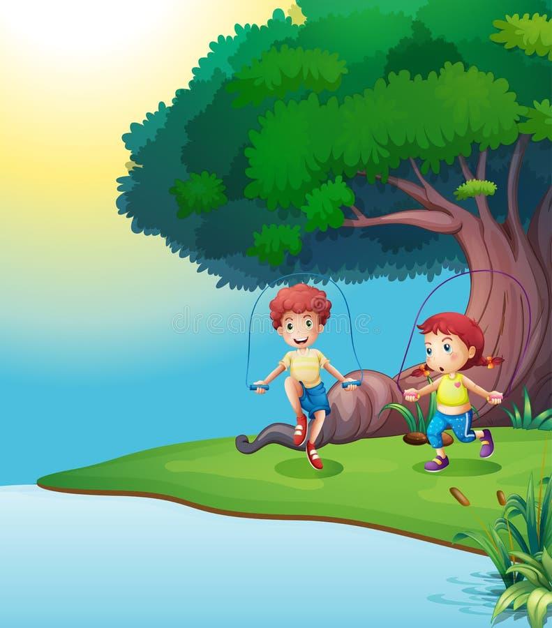 Um menino e uma menina que jogam perto da árvore gigante ilustração royalty free