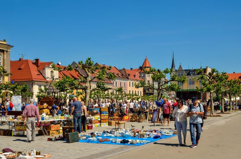 Um mercado histórico bonito em Pszczyna, Polônia foto de stock royalty free
