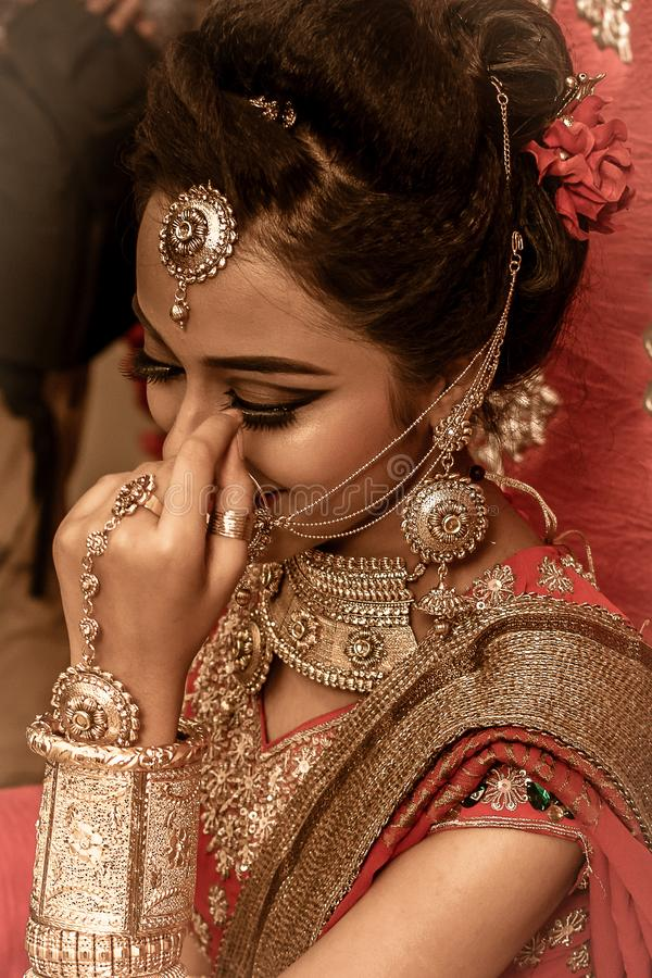 Um modelo indiano novo bonito não identificado fotografia de stock royalty free