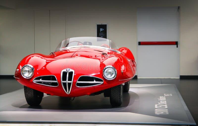 Um modelo magnífico de Volante do disco C52 de Alfa Romeo 1900 na exposição no museu histórico Alfa Romeo fotos de stock royalty free