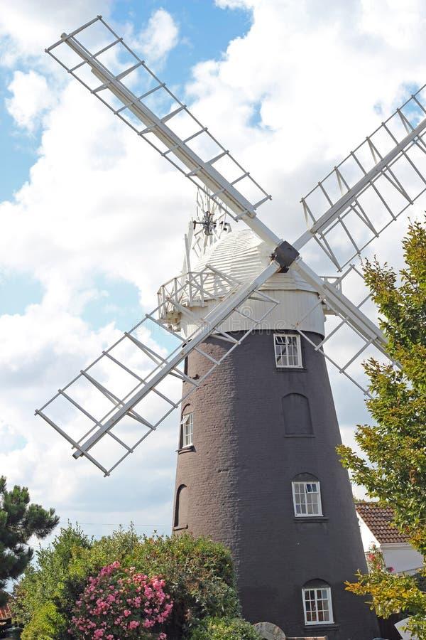 Um moinho de vento de Norfolk. fotos de stock royalty free