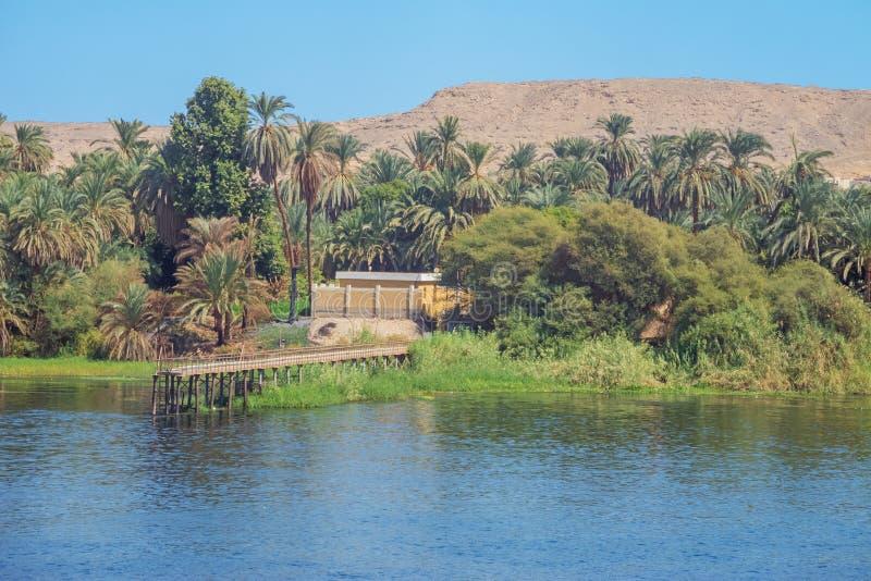 Um molhe na costa do Nilo no EL-Sadik de Gaafar imagens de stock royalty free