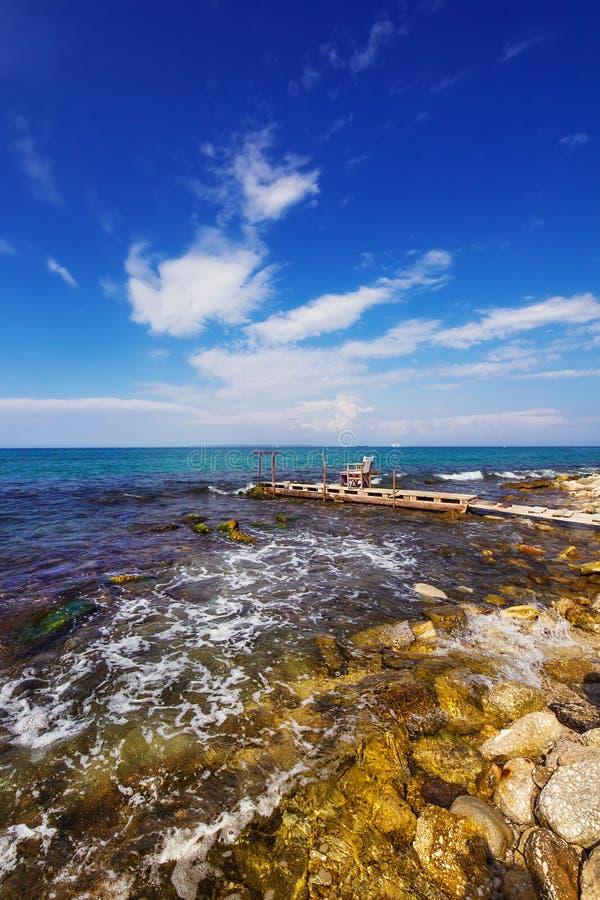 Um molhe perto da cidade de Zakynthos fotos de stock