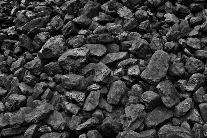 Um montão do fundo natural preto de carvão imagens de stock royalty free