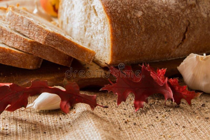 Um naco de pão fresco fotos de stock royalty free