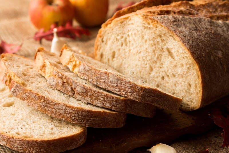 Um naco de pão fresco imagens de stock