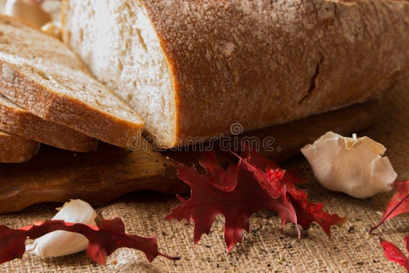 Um naco de pão fresco imagens de stock royalty free
