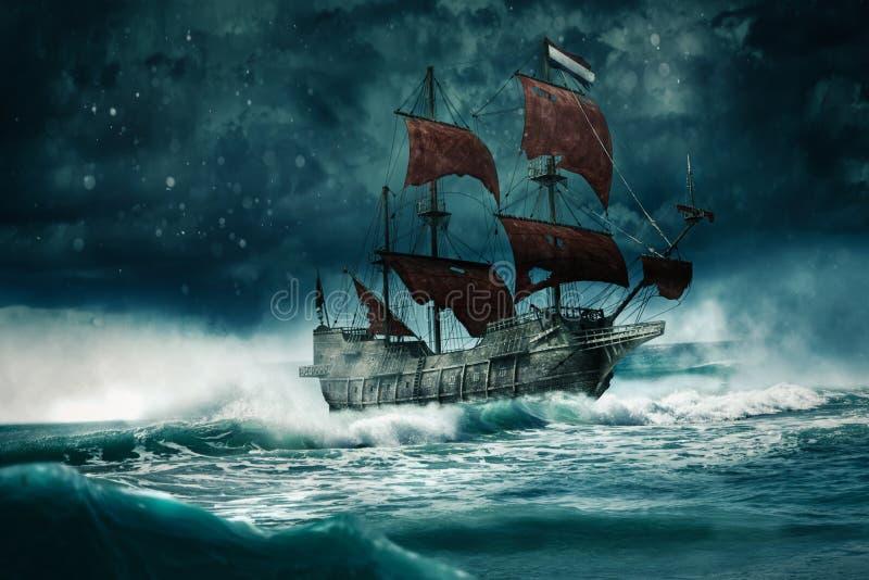 Um navio fantasma veleja pela noite tempestuosa. fotografia de stock royalty free