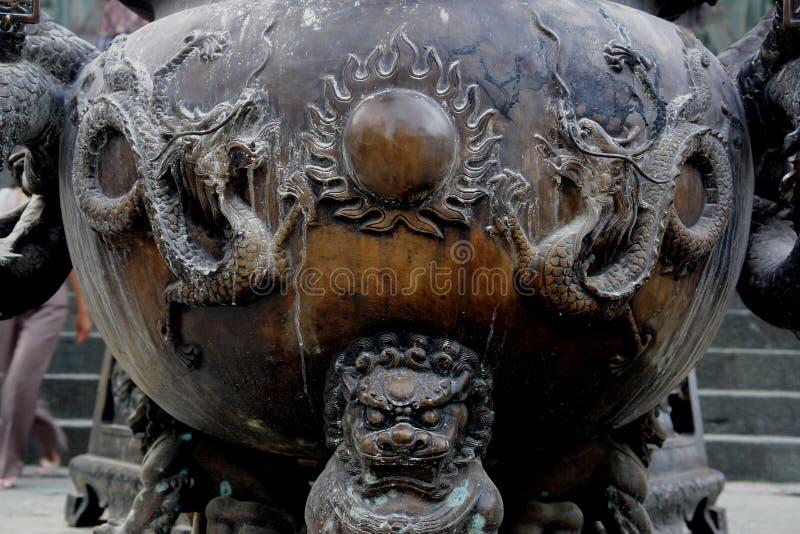 Um olhar próximo de um Censer chinês imagens de stock