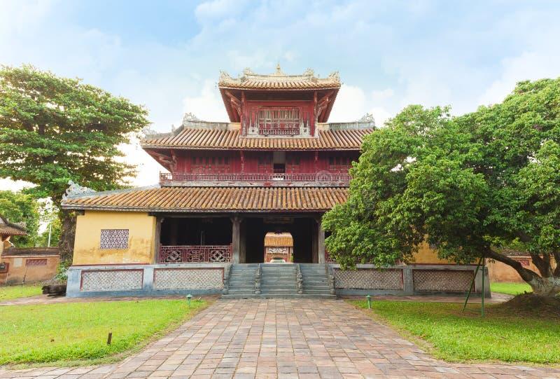 Um outro lado do templo das gerações em Hue Imperial City imagem de stock