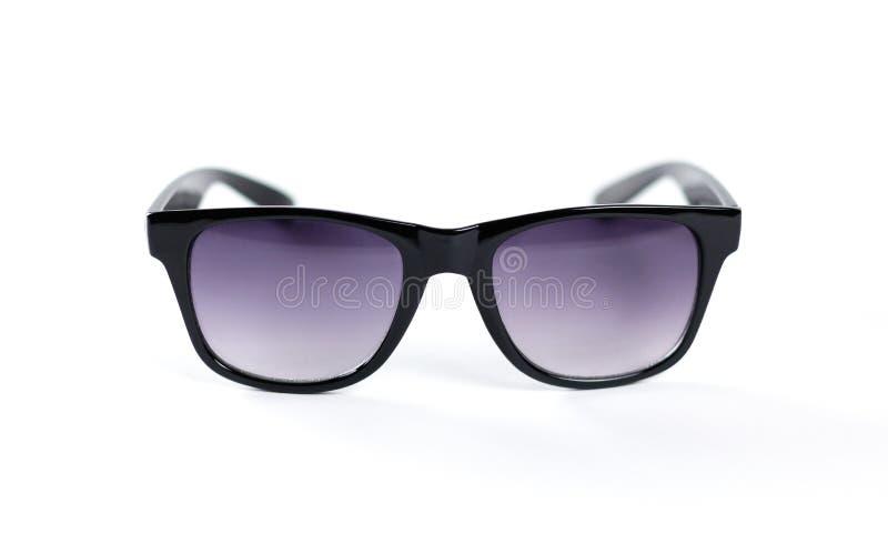 Um par de óculos de sol pretos Isolado no fundo branco imagens de stock
