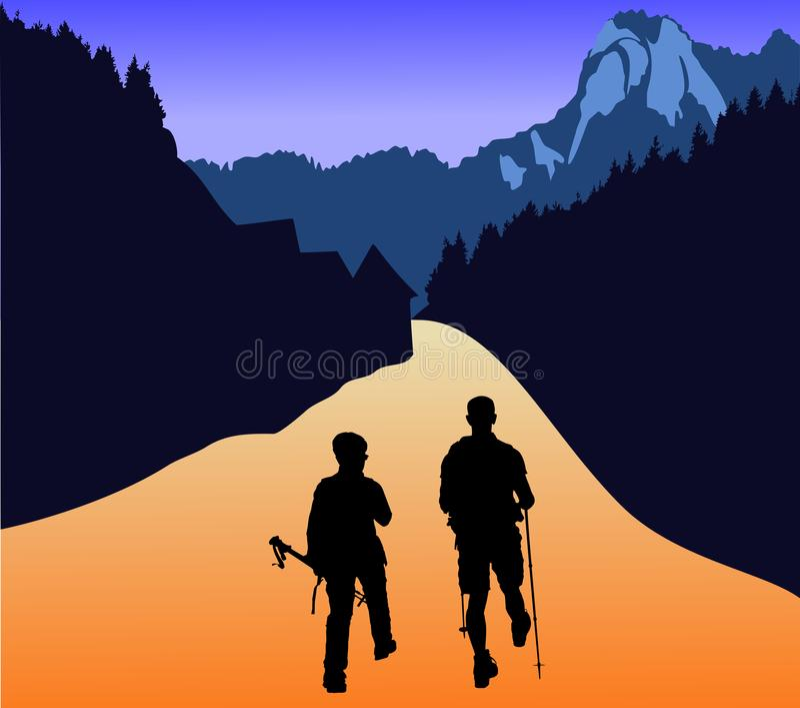 Um par turistas vão às montanhas andar no ar livre com seu equipamento imagem de stock royalty free