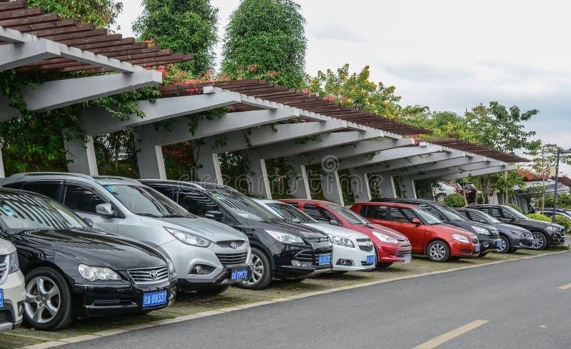 Um parque de estacionamento em Nanning, China fotos de stock