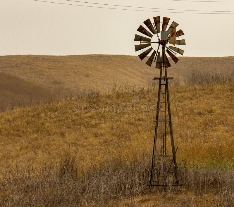 Um parque estadual velho de Chino Hills do moinho de vento fotos de stock royalty free
