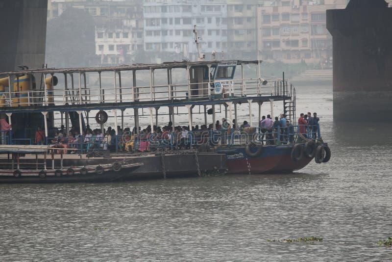 Um passeio do navio em ganges fotografia de stock royalty free