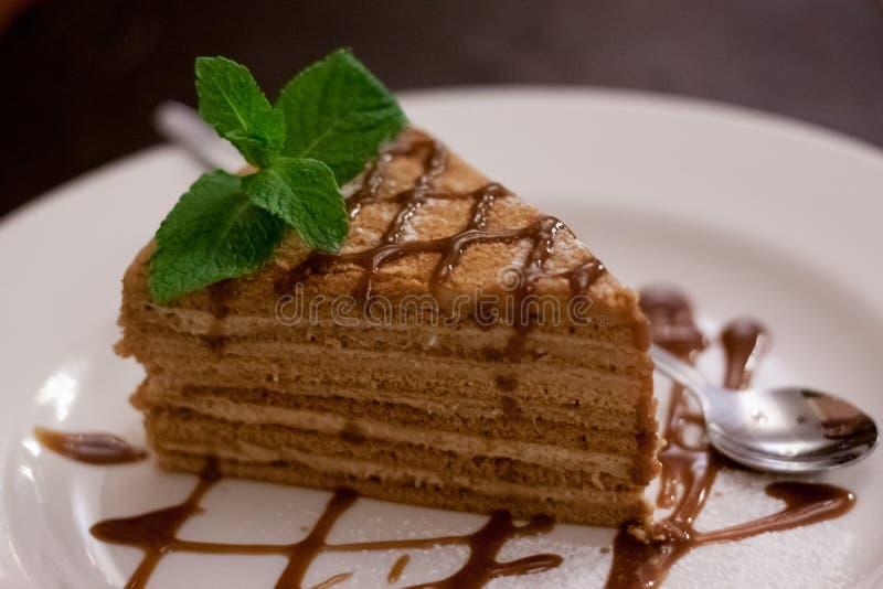 Um pedaço de bolo fotografia de stock royalty free
