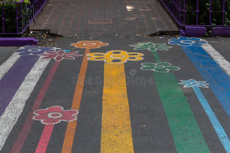 Um pedestre do Orgulho LGBTQ - Cidade do México, México fotografia de stock