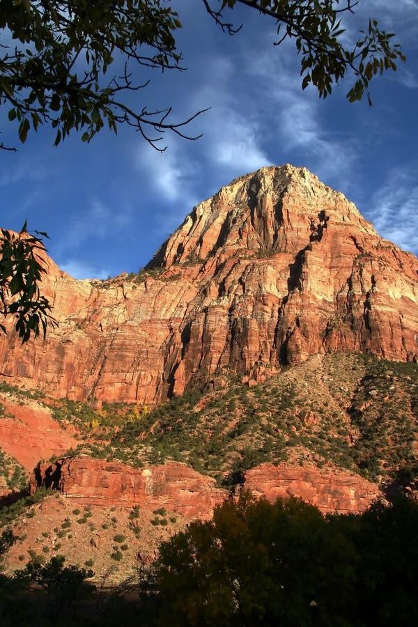 Um pico de Zion no por do sol foto de stock