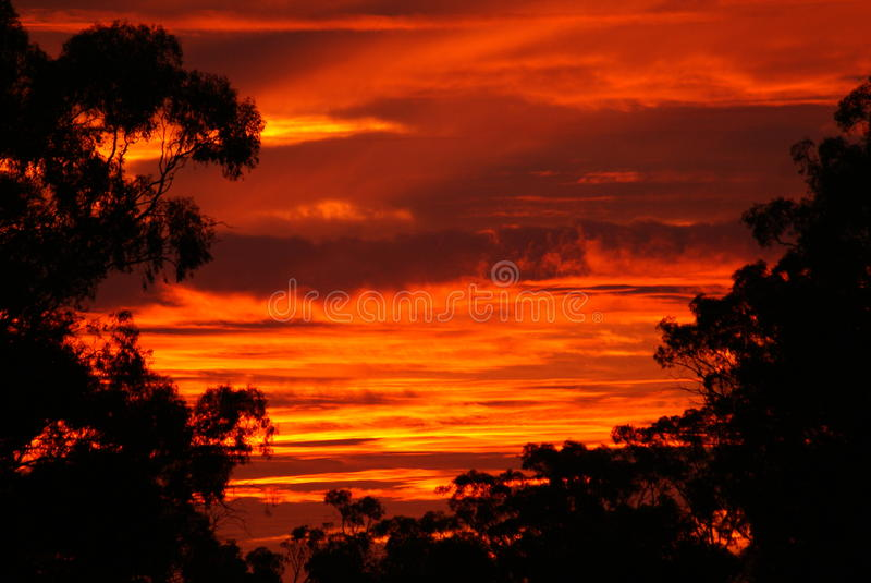 Um por do sol alaranjado vívido fotografia de stock