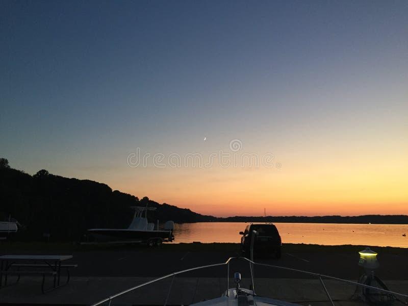 Um por do sol do Lago Erie foto de stock royalty free