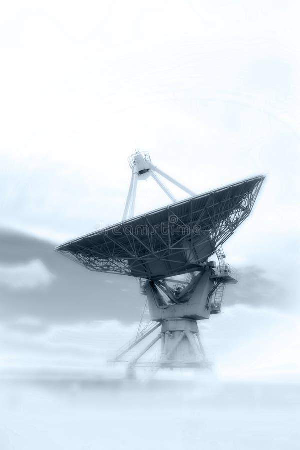 Um prato de VLA em uma névoa imagens de stock royalty free