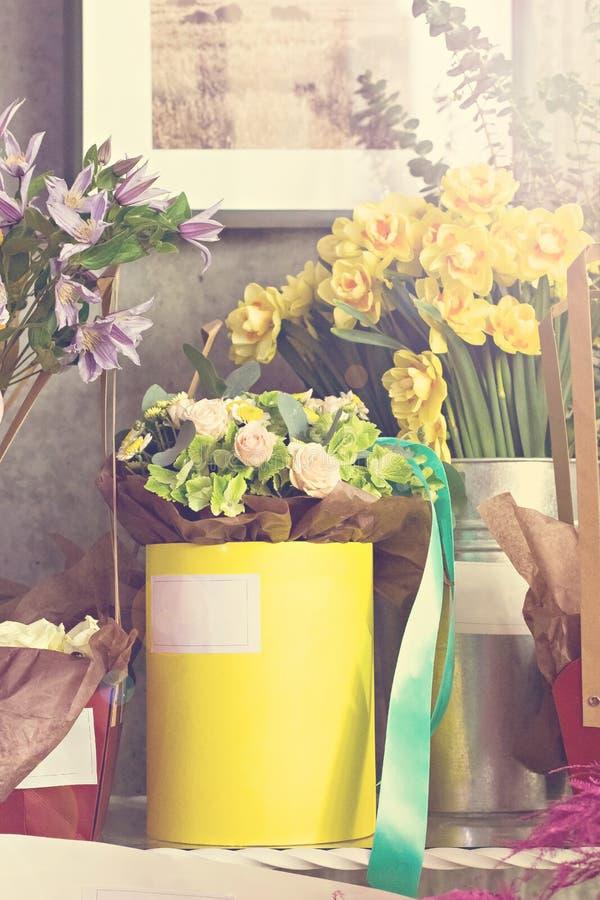 Um ramalhete de flores bonitas fotos de stock royalty free