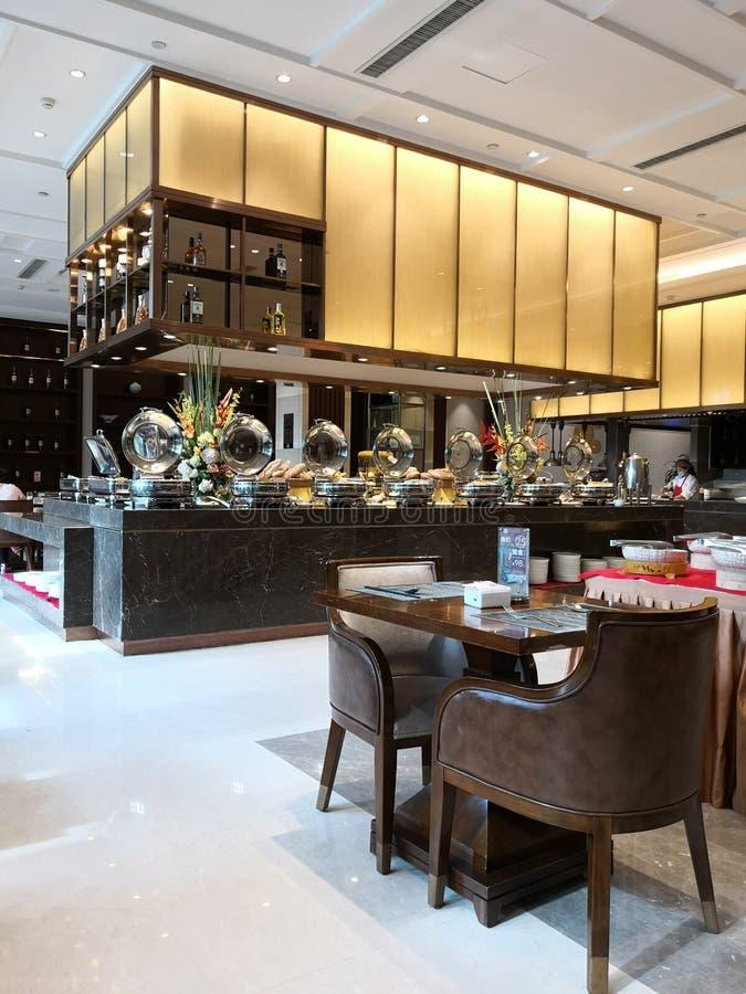 Um restaurante bem-aberto do hotel imagem de stock royalty free