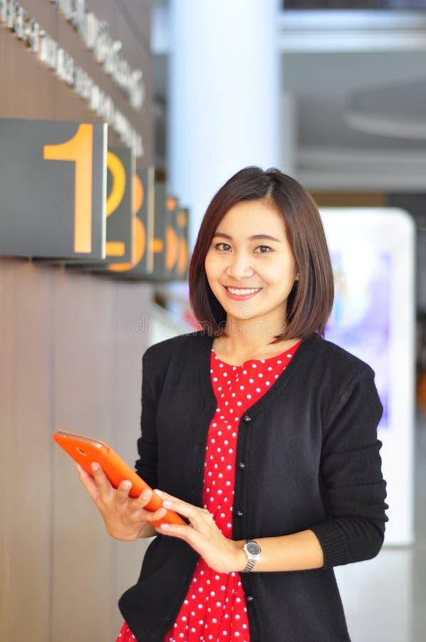 Um retrato de uma mulher de negócio nova fotografia de stock