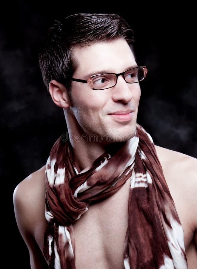 Um retrato sobre um indivíduo atrativo na moda fotografia de stock