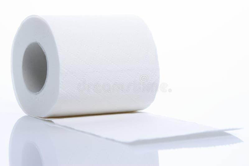 Um rolo do papel higiénico imagem de stock royalty free