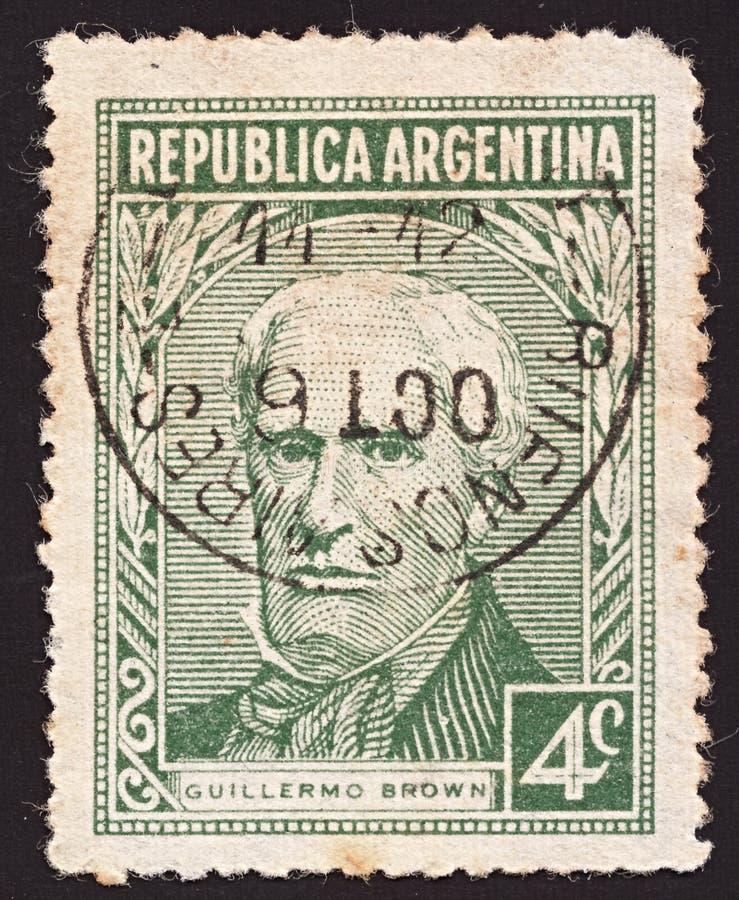 Um selo imprimiu Argentina no retrato das mostras do fundador do almirante Guillermo Brown 1777-1857 da marinha de Argentina, cer fotos de stock