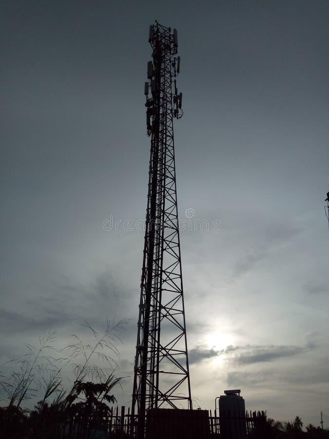 Um sozinho alto da posição do mastro acima lá foto de stock royalty free