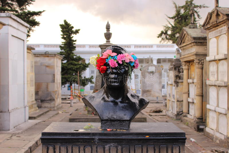 Um túmulo no cemitério da central do ¡ de Bogotà imagens de stock royalty free