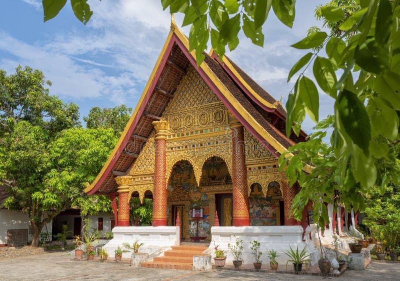 Um templo em Luang Prabang foto de stock