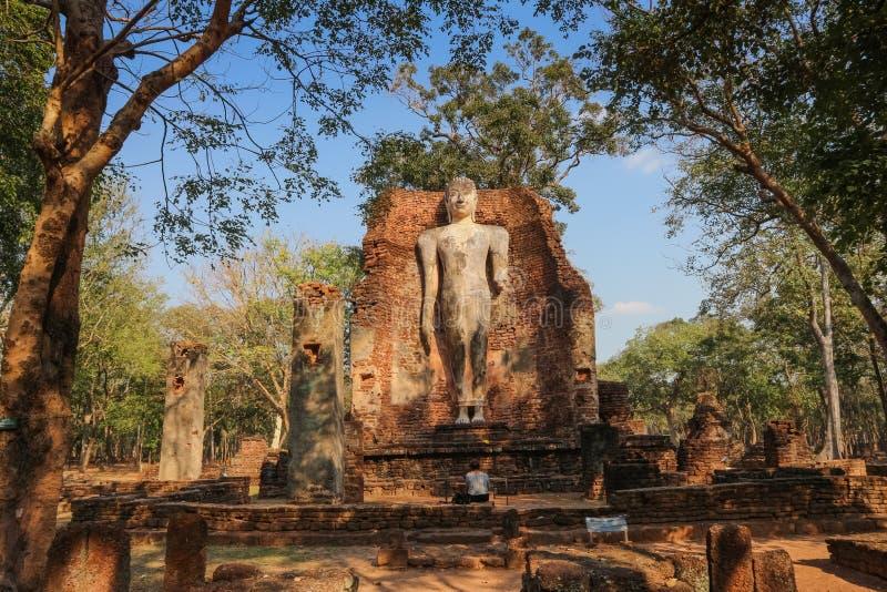 Um templo na província de Kamphaeng Phet nas ruínas do templo real, fotografia de stock royalty free