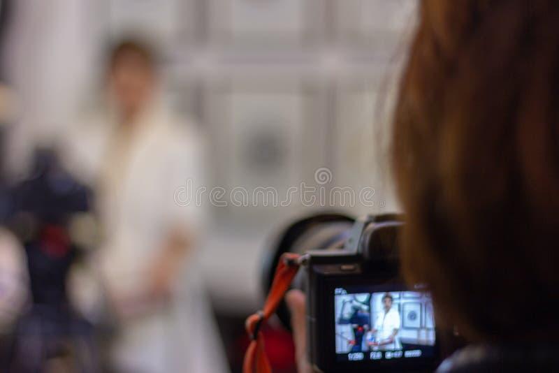 Um tiro da câmara de vídeo no lugar interno foto de stock royalty free