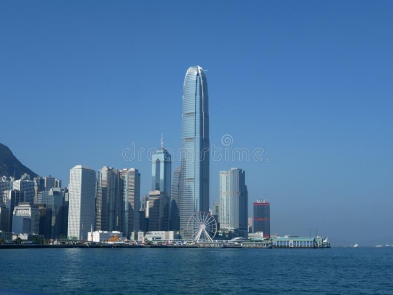 Um tiro de Hong Kong Central durante o dia imagens de stock royalty free