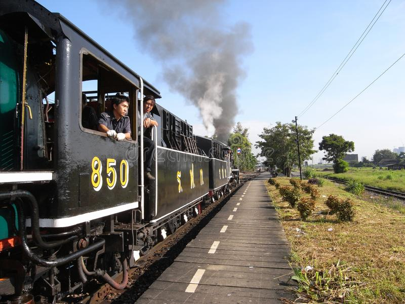 Um trem especial do vapor no golpe processa a estação em Banguecoque fotografia de stock