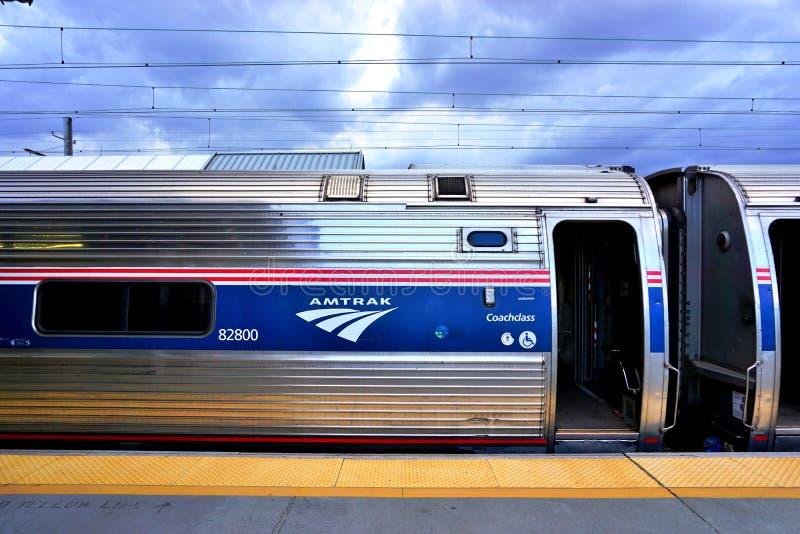 Um trem regional do nordeste de Amtrak imagens de stock royalty free